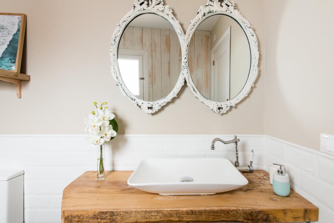 Baño con madera