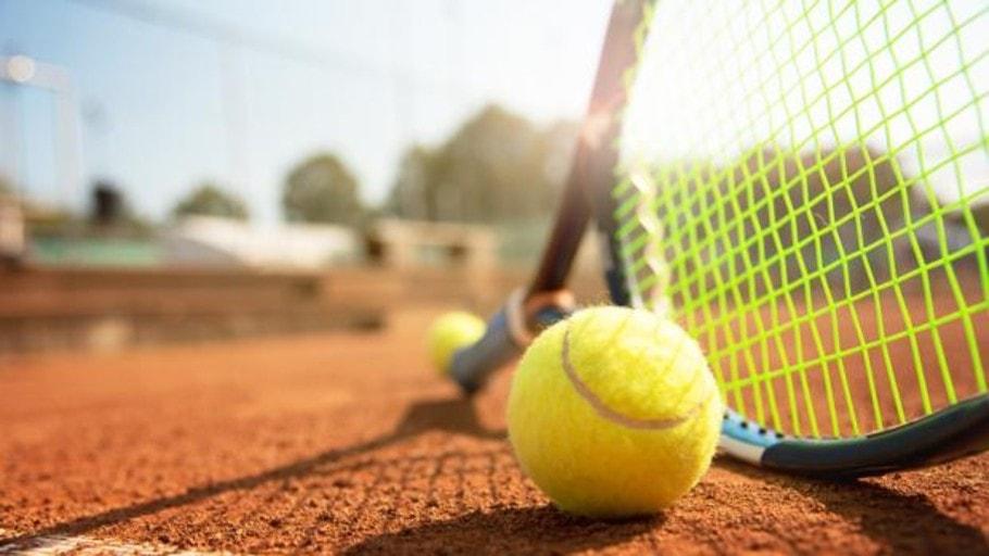 Jugar a tenis Jávea